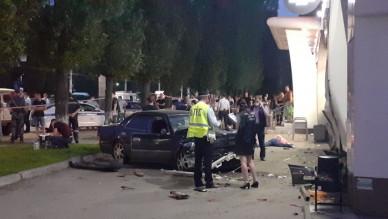 Участковому, сбившему трёх человек на тротуаре в Воронеже, продлили арест