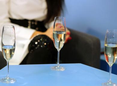 Воронежский облздрав рассказал, как сократить вред от алкоголя на новогодних праздниках