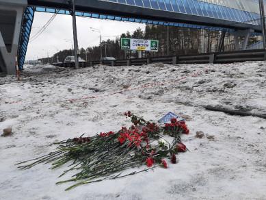 На место убийства воронежской учительницы принесли учебники