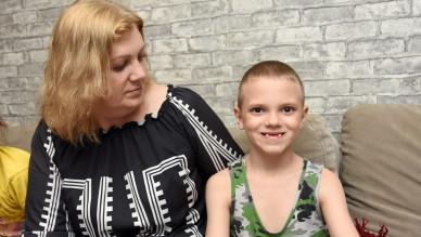 У 10-летнего мальчика из-за редкого заболевания выпали почти все зубы