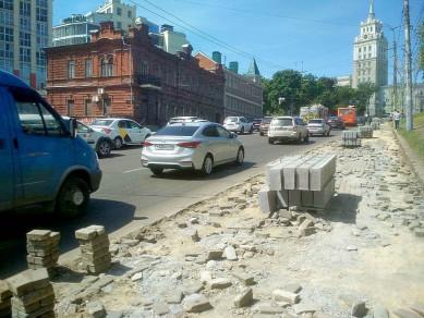 Воронежцев на 4 месяца лишили тротуара в центре города
