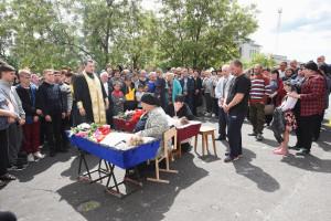 Одноклассников, погибших под завалами, похоронили рядом — репортаж «Ё!» с места трагедии в селе Копанище