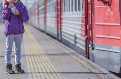 Пропавшую 11-летнюю девочку сняли с поезда в 200 км от Воронежа