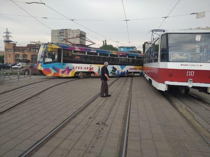 В Липецке столкнулись два трамвая