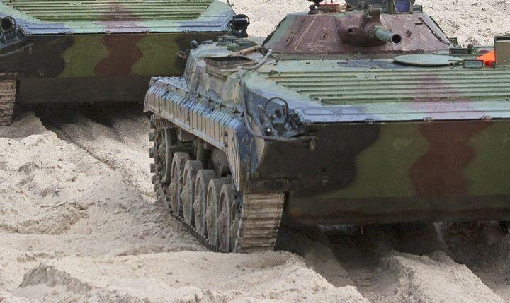 Военные прокомментировали ЧП сконтрактником, потерявшим руку наполигоне вВоро...