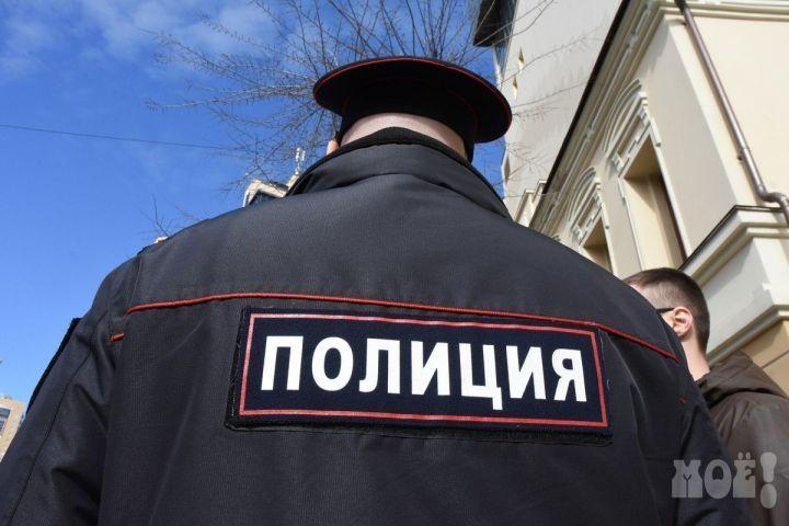 Хозяйка шиномонтажа покусала полицейского вВоронеже