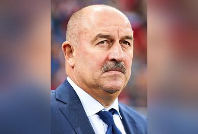 Станислава Черчесова уволили из сборной России после провала на Евро