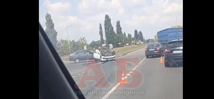В Старом Осколе автомобилистка устроила тройное ДТП и перевернула иномарку