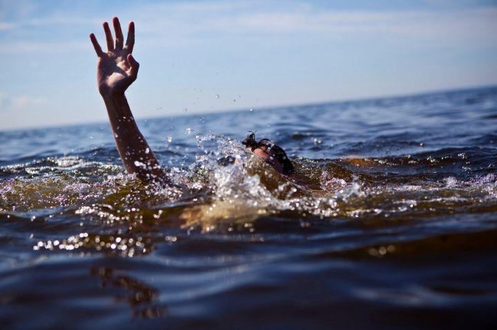 В Грязях спасатели достали из воды 24-летнего пловца