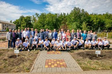 В Нововоронеже заложили Аллею атомщиков врамках акции «Город первых — город-сад»
