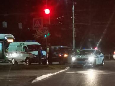 На Московском проспекте столкнулись 5 авто, включая машину скорой помощи