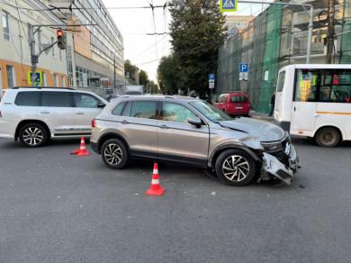 Два человека пострадали в ДТП в центре Воронежа