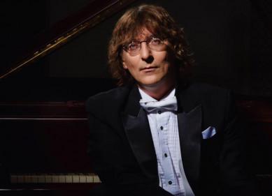 В Воронеж приедет музыкант, который «превращает музыку вчистое золото»