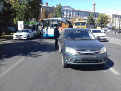 Маршрутный автобус столкнулся с легковушкой в Воронеже