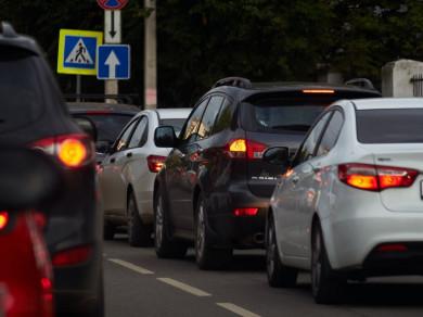 Многокилометровая пробка сковала выезд из Воронежа