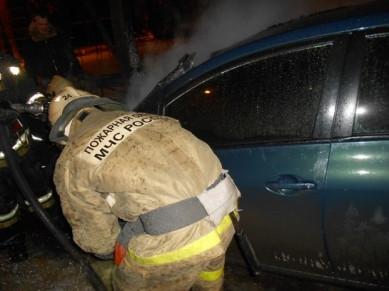 Загорелась машина в центре Воронежа