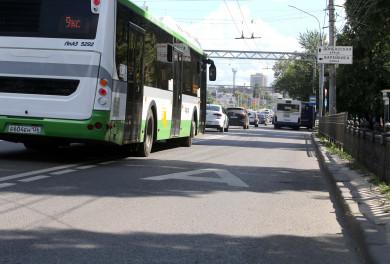 Воронежских маршрутчиков начали штрафовать завыезд запределы выделенки