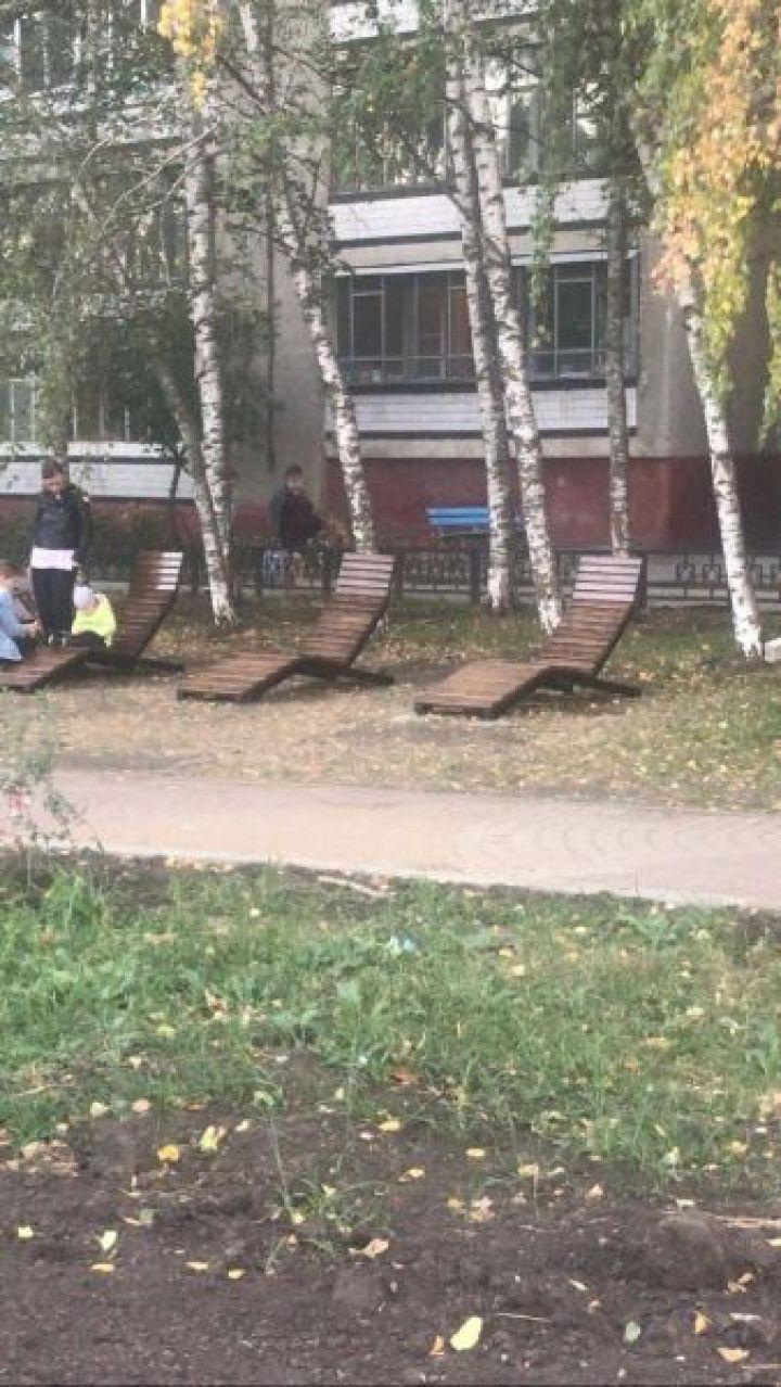 Липецкую пенсионерку удивили новые «скамейки» на бульваре Неделина