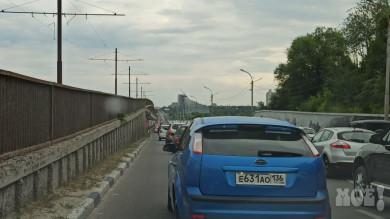 Аварии парализовали движение на мосту и одной из главных улиц в Воронеже