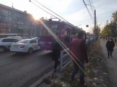 Из-за столкновения «Тойоты» итроллейбуса парализован Московский проспект