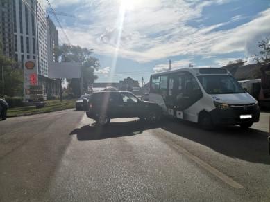 80-летняя пенсионерка пострадала в ДТП с маршруткой в Воронеже