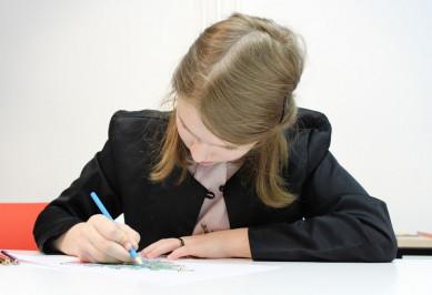 Жительница Воронежа пожаловалась, что школы не возвращают деньги за пропущенные дополнительные занятия