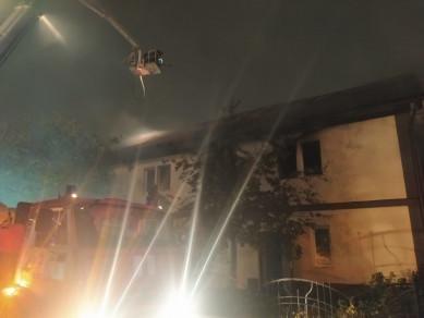 В Воронеже загорелась двухэтажка: есть пострадавший