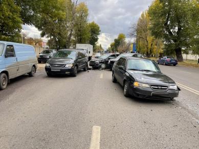 Воронежец нарушил ПДД и устроил массовое ДТП: есть пострадавший