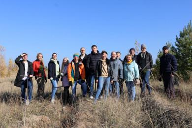 Волонтеры Сбера высадили 10 000 сосен на Кожевенном кордоне