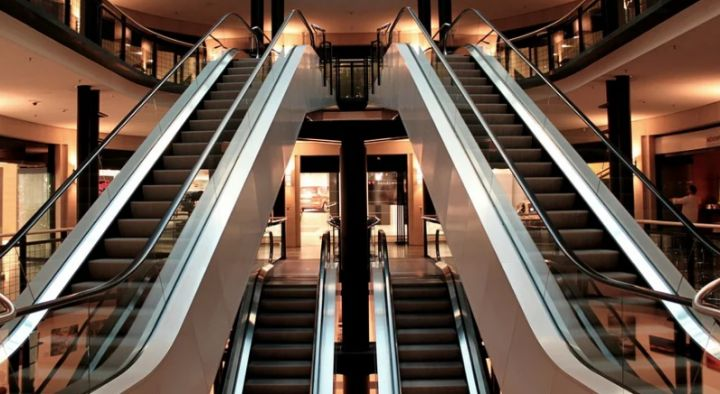 В Липецкой области несовершеннолетние не смогут посещать торговые центры