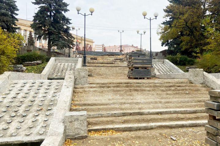 В Липецке ремонт каскада фонтанов обернулся проблемами