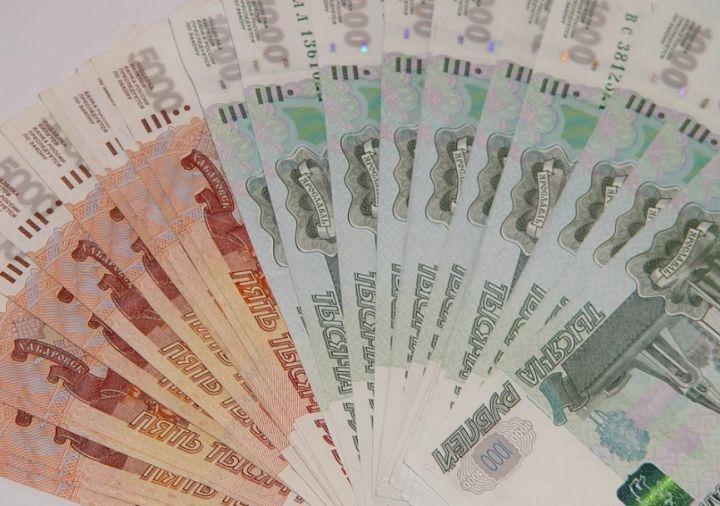 Житель Грязей подарил аферистам два миллиона рублей