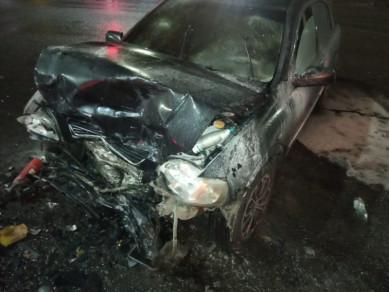 Три человека пострадали при лобовом столкновении машин в Воронеже