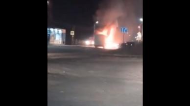 Автобус загорелся в воронежском райцентре