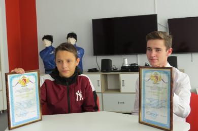 Воронежские школьники помогли полиции остановить преступницу