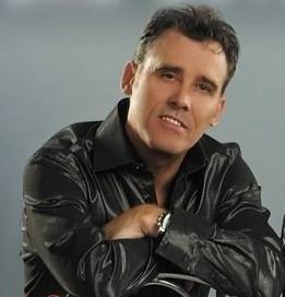 Джон макинерни главный вокалист группы фото