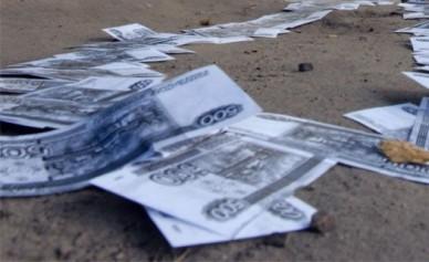 Два друга потратили в клубах Воронежа украденные у соседа 50 000 рублей