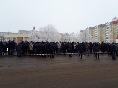 В Воронеже церемония прощания с погибшим лётчиком началась на час позже