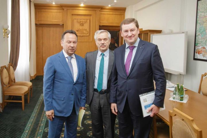 Владимир Салмин представил нового управляющего Белгородским отделением ПАО Сберб...