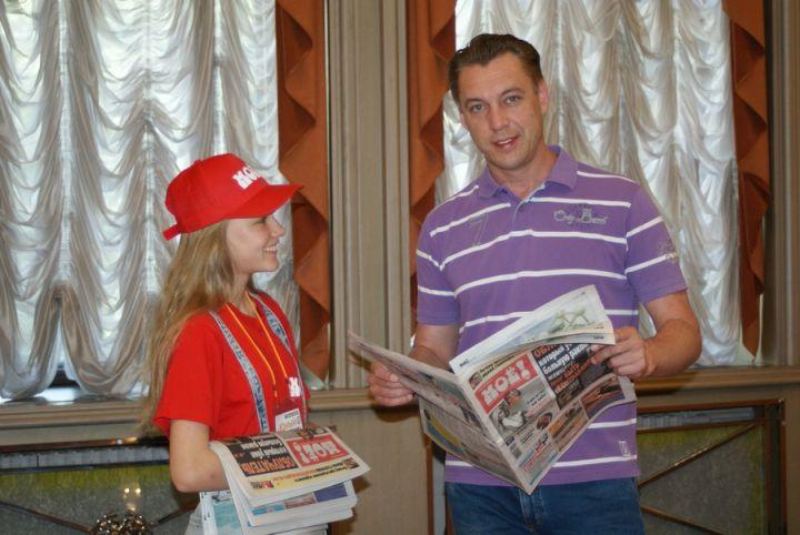 Актёр воронежского драмтеатра поддержал акцию «Юный газетчик»