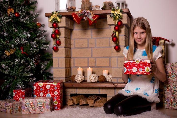 Россияне стали тратить на новогодние подарки детям в три раза больше