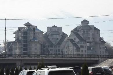 У родни арестованного экс-вице-мэра Антиликаторова нашли элитные квартиры и авто