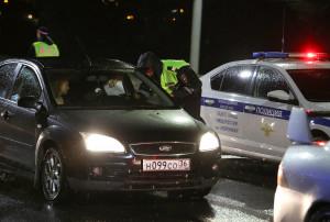 Сплошныепроверки водителей спровоцировали пробку на Чернавском мосту