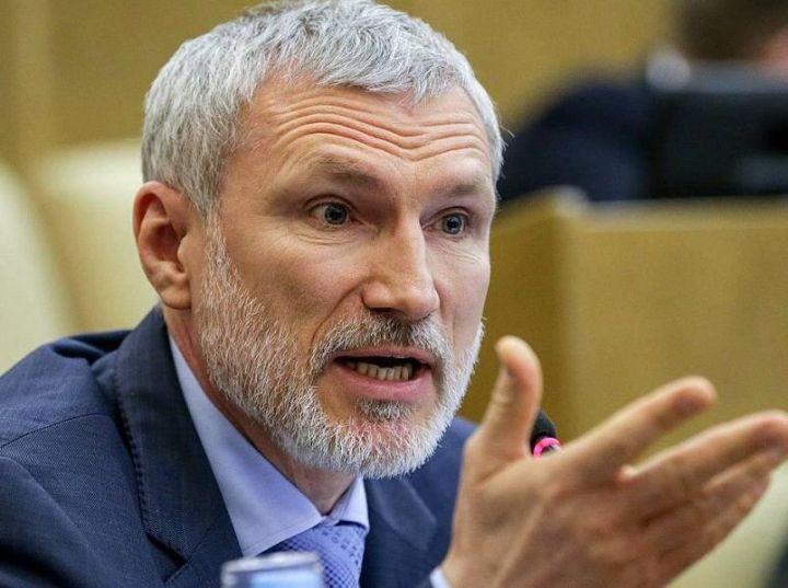 Подорожание канцтоваров для учёбы возмутило воронежского депутата