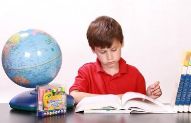 Аналитики подсчитали расходы на подготовку детей к школе